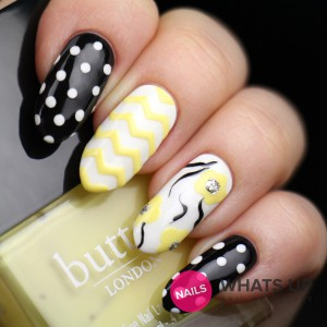whatsupnails-regular-zig-zag-tape-nails grande