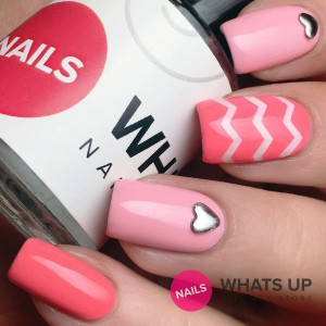 whatsupnails-skinny-zig-zag-tape-bottle-swatch grande